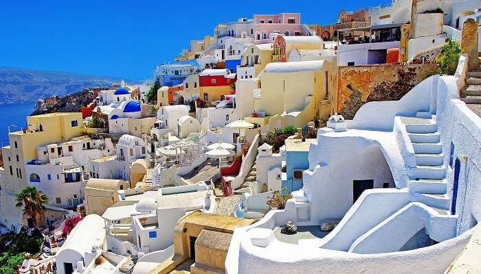 These colorful houses of Santorini have drawn many movie directors and producers to its magical land