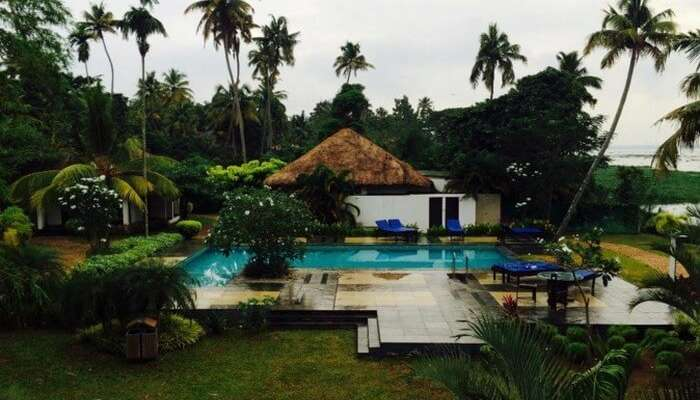 Pool cottages at Deshadan Backwater resort