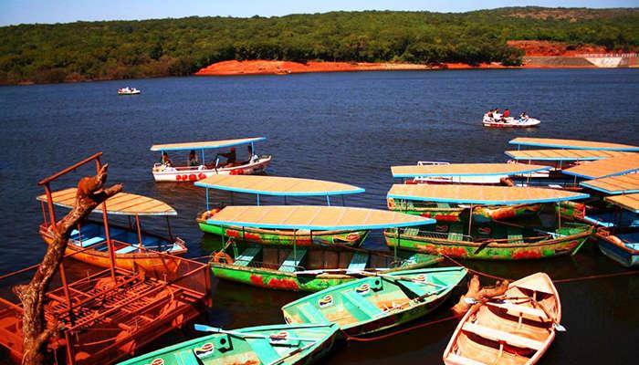The stunning Venna Lake at Mahabaleshwar and its colourful boats