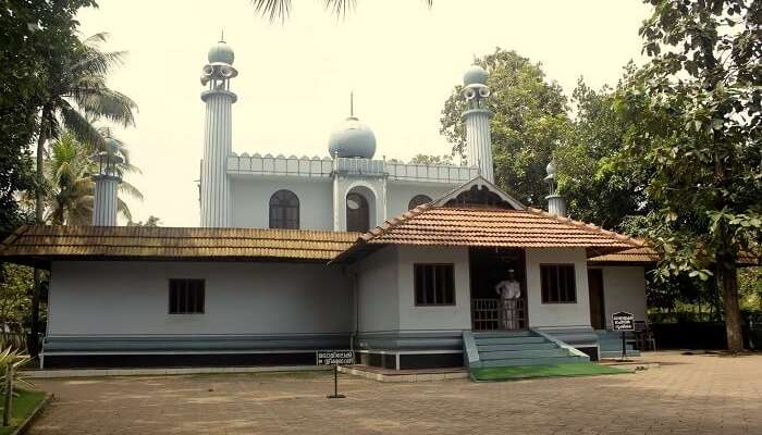 Juma Masjid is one of the oldest mosques in Kerala