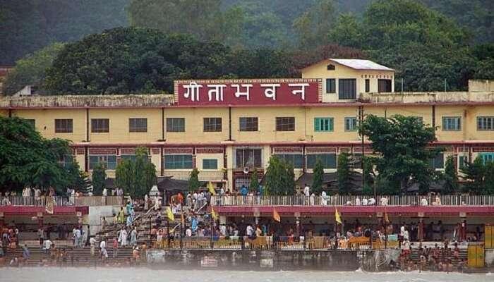 People gather to read the Ramayana at the Geeta Bhawan in Rishikesh.