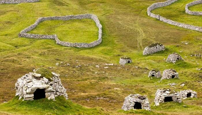 Ancient wall structures and shelters on the Hirta Island