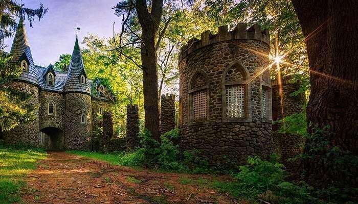 The fairytale-like Dundas Castle