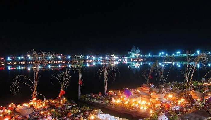 A beautiful snap of the ghats at night on the occasion of Chhath Puja
