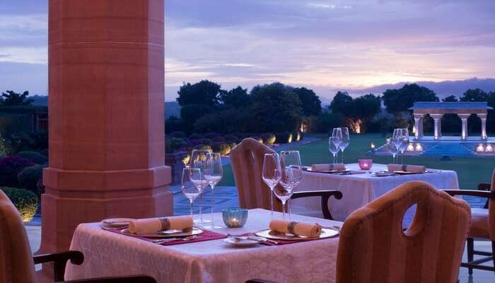 Restaurant at Umaid Bhawan Palace in Jodhpur at dusk