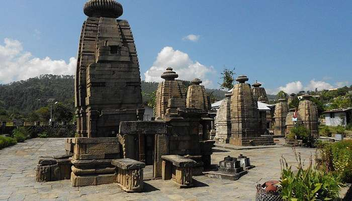 800px-Temples_of_Baijnath,_Uttarakhand,_India