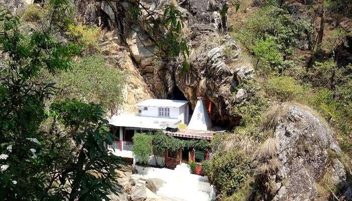 Rudradhari caves in Kausani