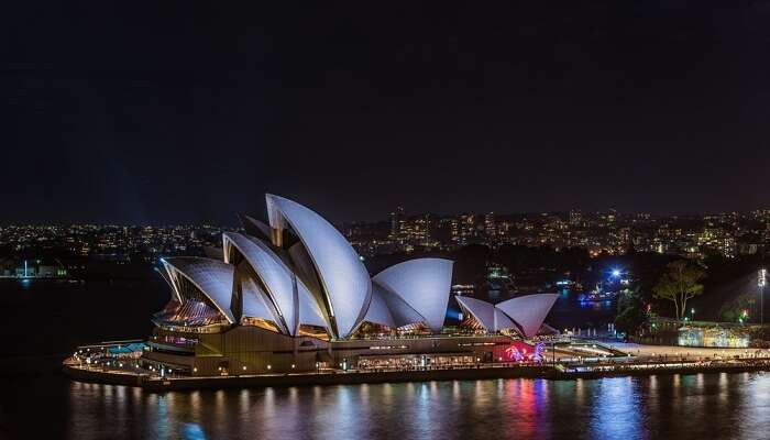 A night shot of the Sydney Opera House in Australia