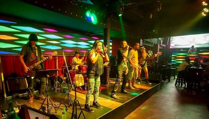 Live music clubs in Patong