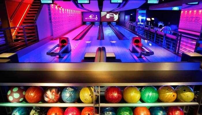 go bowling at strike