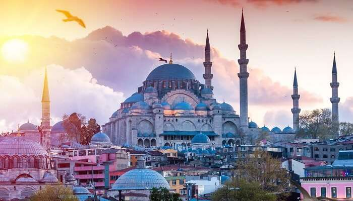 A sunset shot of the Blue Mosque at Istanbul
