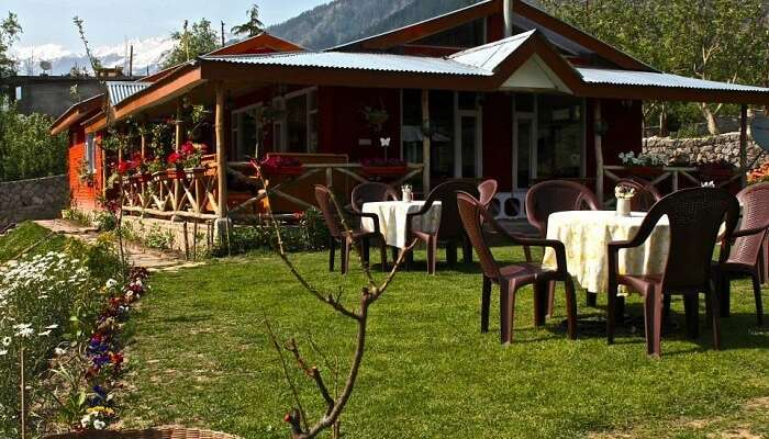 famous restaurants in manali