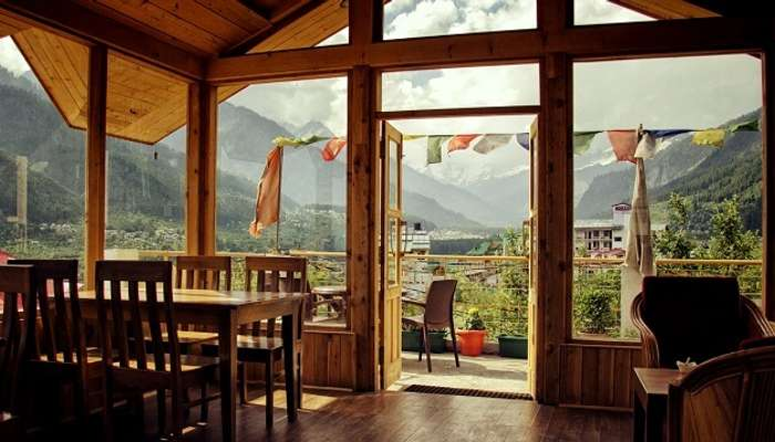 rooftop restaurants in manali