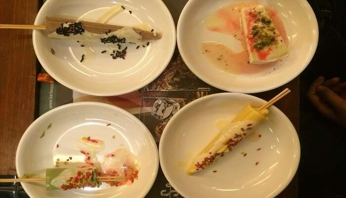 Varieties of kulfis in bowls