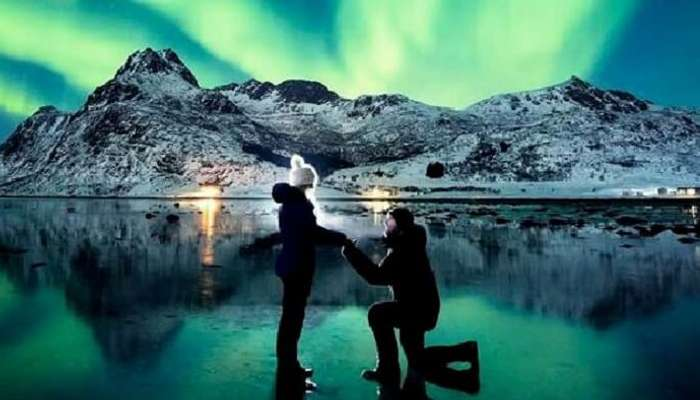 couple proposing in norway