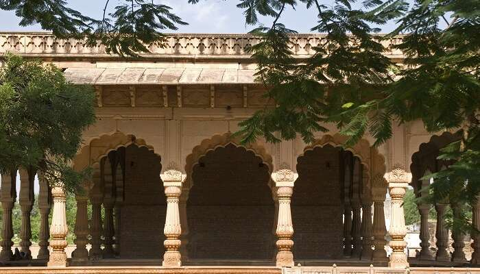 Deeg Palace architecture