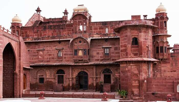 15 Amazing Tourist Places Near Jodhpur