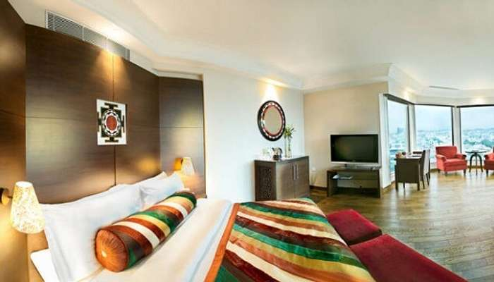 20 Best Hotels In Jaipur For Experiencing A Princely Stay