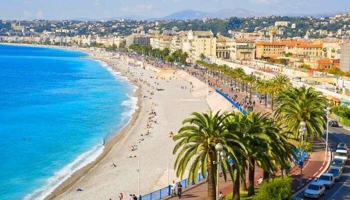 Хит пляжи Ниццы во Франции
