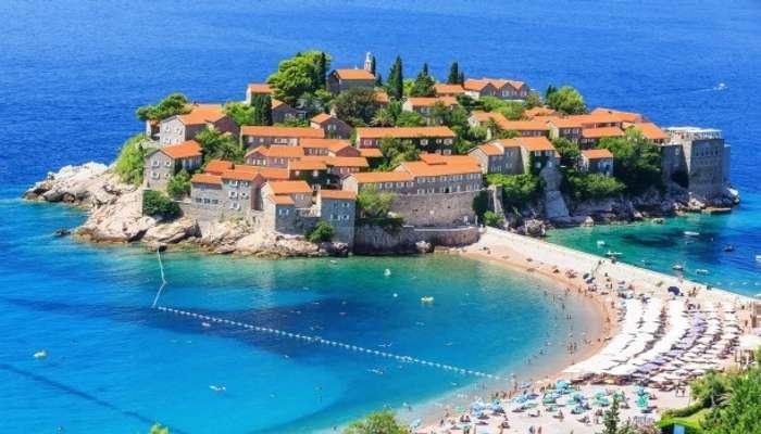 Отдых на нетронутых пляжах Черногории