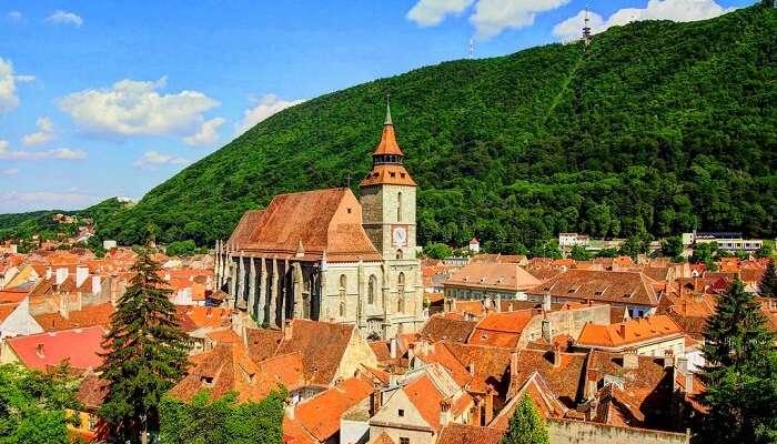 Поездка на фуникулере до горы Тампа в Брашове, Румыния