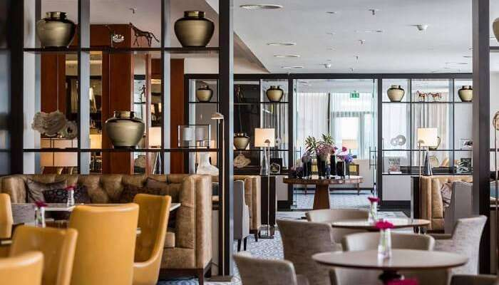 4 star hotel restaurant