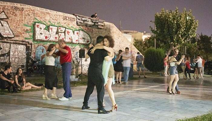 Cha-Cha-Cha on the streets in athens