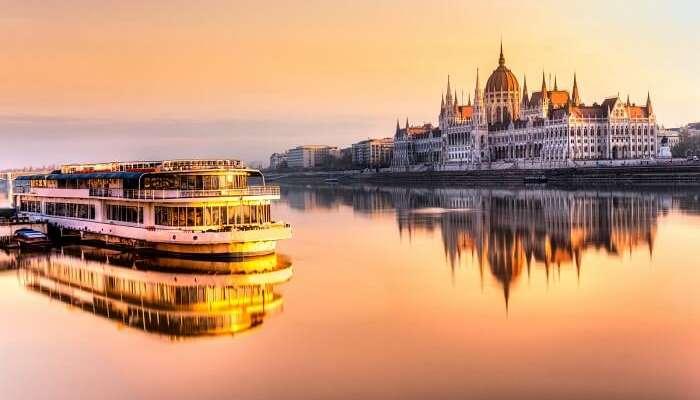 Круиз по реке Дунай в Будапеште Венгрия