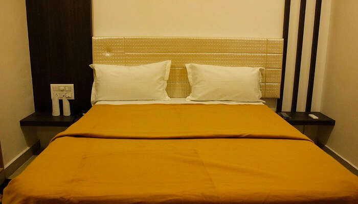 Hotel Shiv Lake ss14052018