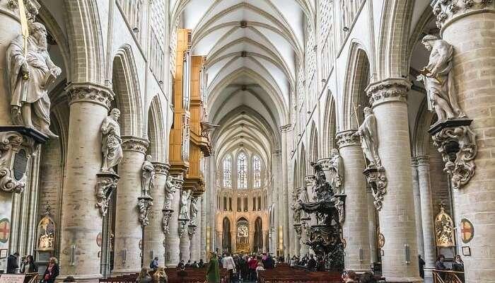 impressive archways, pretty sculptures