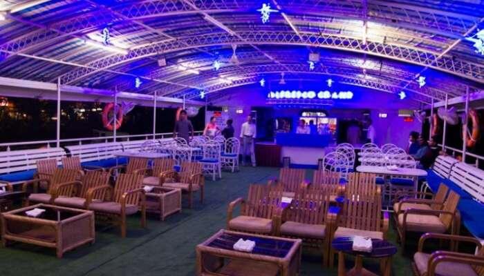 Alfresco dinner cruise