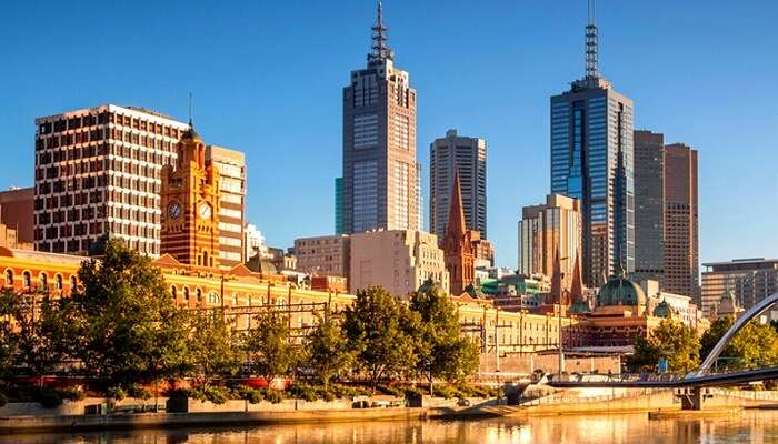 melbourne skyline during day