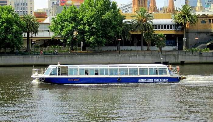 cruise on the yarra river