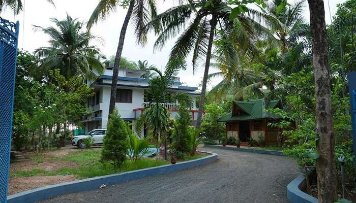 Entrance of Meenkunnu Beach Resort ss11052017