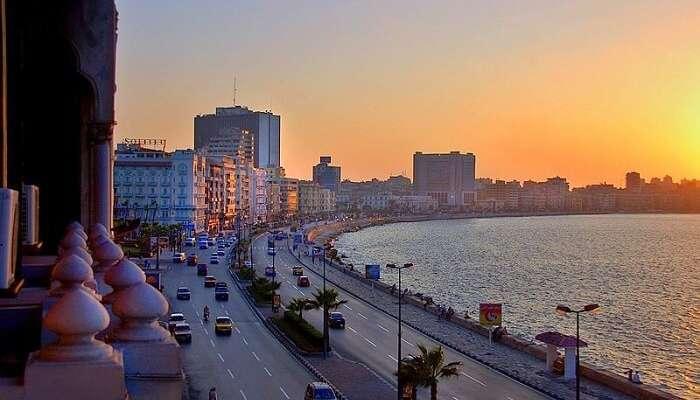 Walk along the Corniche in Alexandria