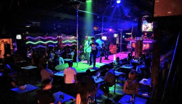 unveil the electrifying side of Pratunam nightlife