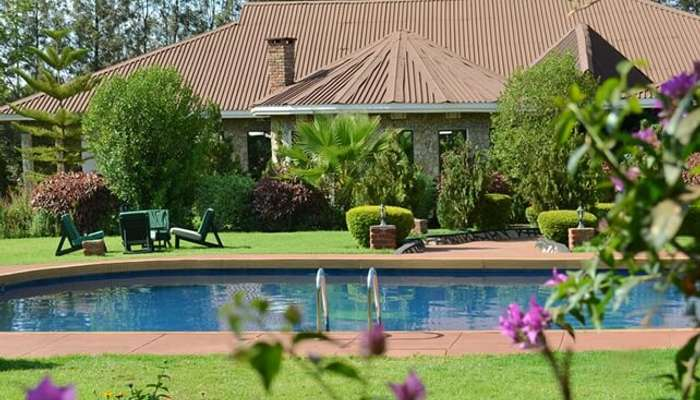 Bougainvillea Safari Lodge