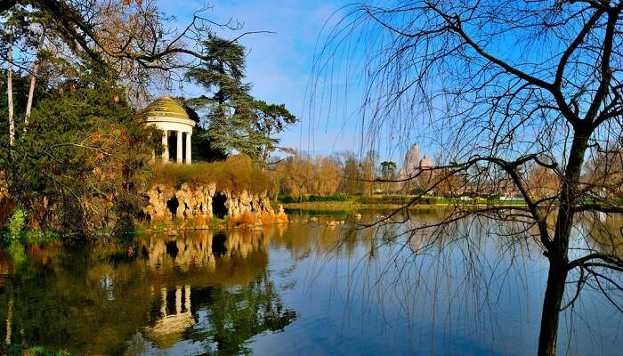 beautiful lake in paris