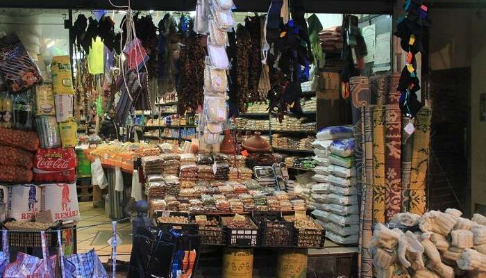 where you can experience all the liveliness of market