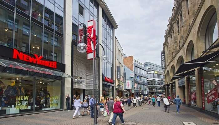 the busiest shopping street in Europe