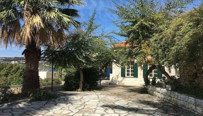 private villa with a big garden