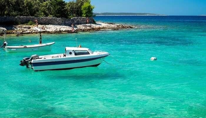 boat on silba island