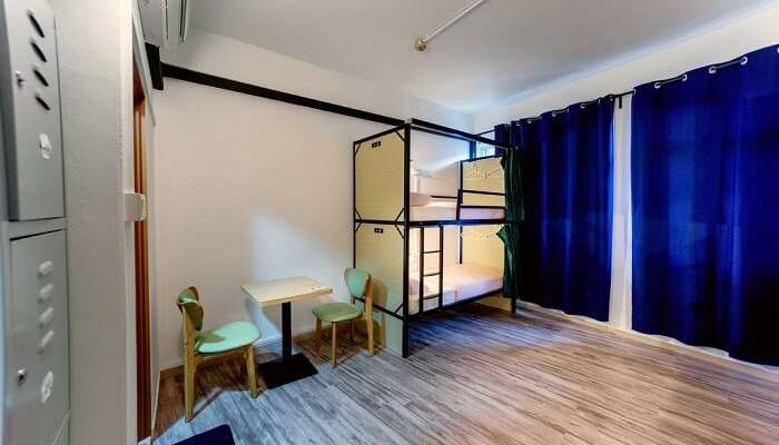 cheap hostel in Singapore