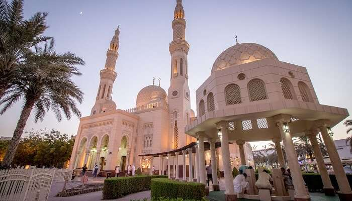 Jumeriah mosque in evening