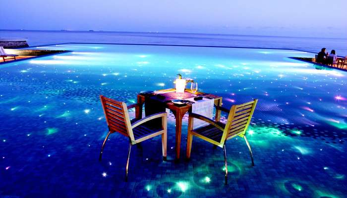 dining experience at beach side