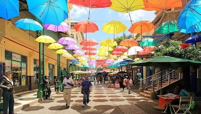 Take a stroll in Caudan
