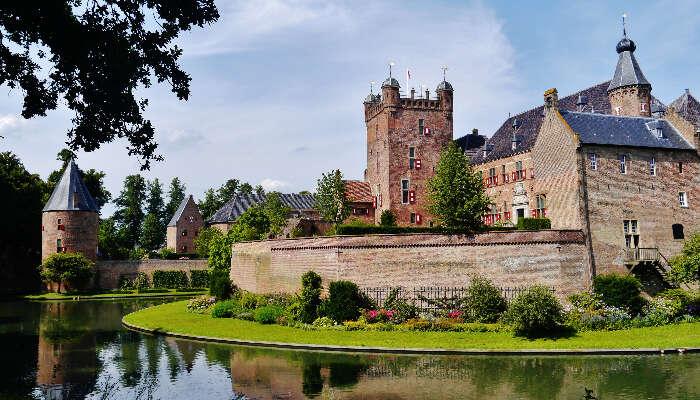 Huis Bergh Castle