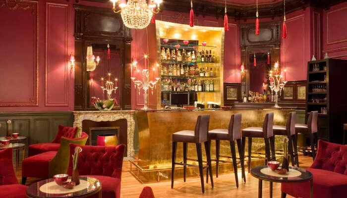 Xscape Lounge & Nightclub
