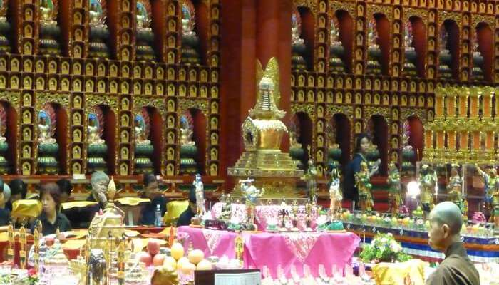 Buddha Tooth Relic Temple And Museum: Soak In The Serenity!