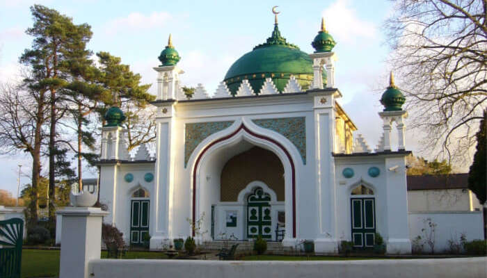 London Mosques: 8 Best Pieces Of Architecture & Spirituality